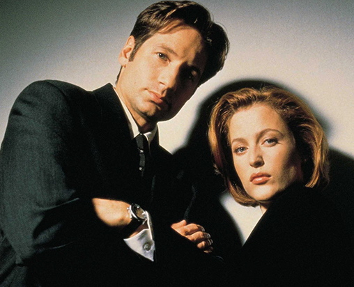 David Duchovny and Gillian Anderson 90s X-Files