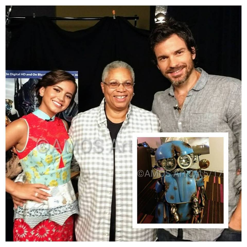 Transformers: The Last Knight, Isabela Moner, Santiago Cabrera, Angela Ortiz